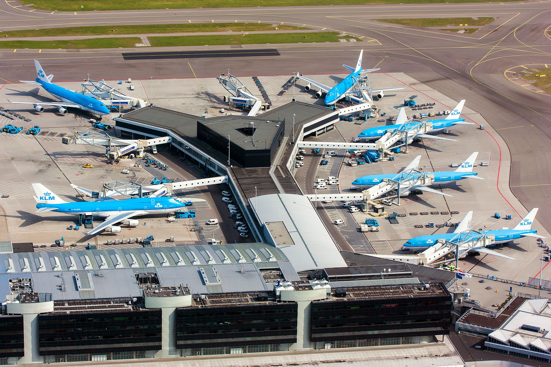 Schiphol Airport is redefining travel standards and Astreea® is in the mix